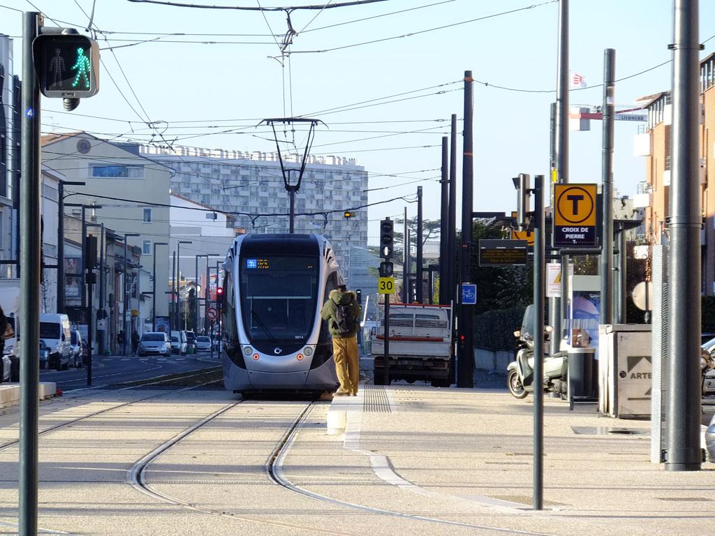 Le tramway Garonne, boulevard Déodat de Séverac